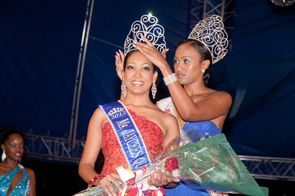 dominica laced with 51st jaycees crown